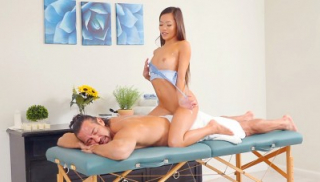 I Am A Professional Masseuse, Daddy\'s Cock Gets Extra Care